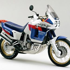 1990 XRV750 Africa Twin RD04